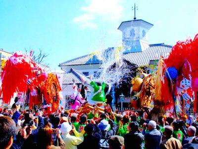 滋賀:近江八幡「左義長まつり」*ツアー履歴の為、予約はできません。